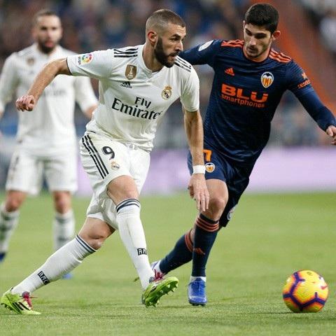 Benzema đã chơi đẩy năng nổ ở trận đấu này
