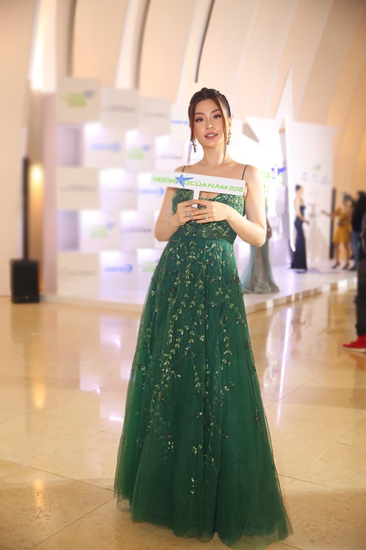 """Hoa hậu H'hen Niê được vinh danh """"Ngôi sao vì cộng đồng"""" - Ảnh 11."""