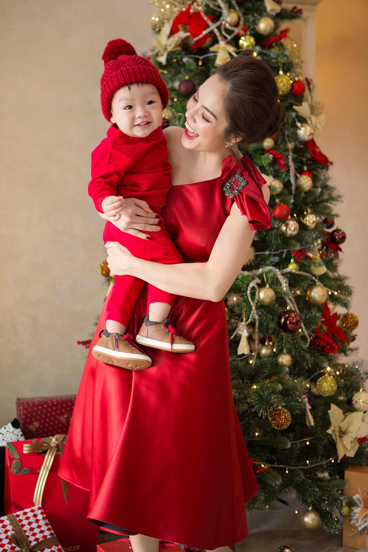 Những bà mẹ đơn thân mới lộ diện của showbiz Việt - Ảnh 6.