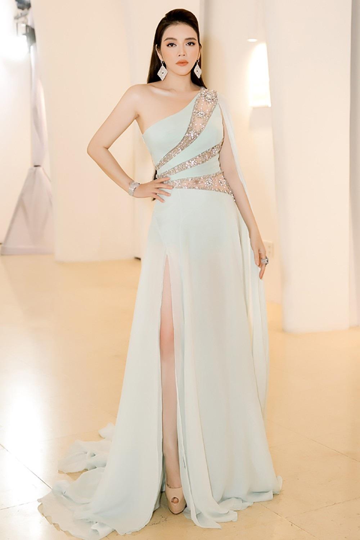 """Hoa hậu H'hen Niê được vinh danh """"Ngôi sao vì cộng đồng"""" - Ảnh 15."""