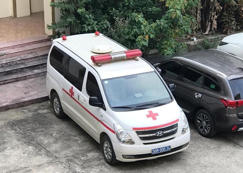Hàng loạt xe cứu thương chở lãnh đạo đi dự hội nghị? - Ảnh 2.