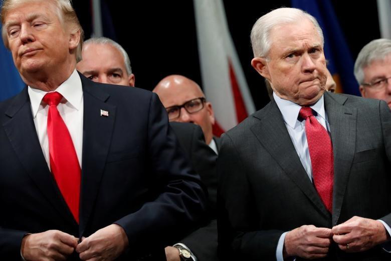 Hai năm làm Tổng thống, ông Trump sa thải số quan chức kỷ lục - Ảnh 6.