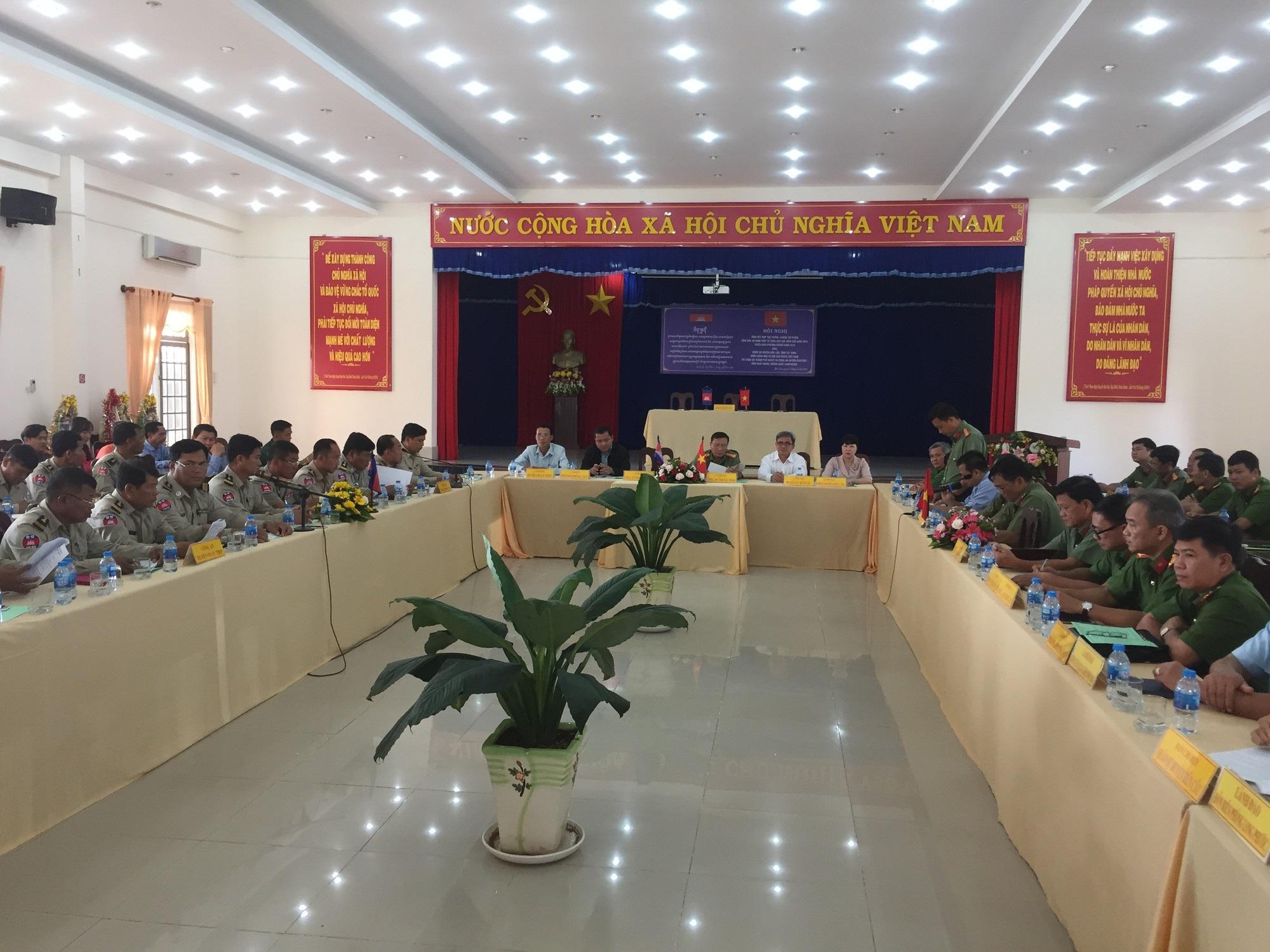 Giải cứu 6 phụ nữ Campuchia bị bán sang Việt Nam - Ảnh 1.