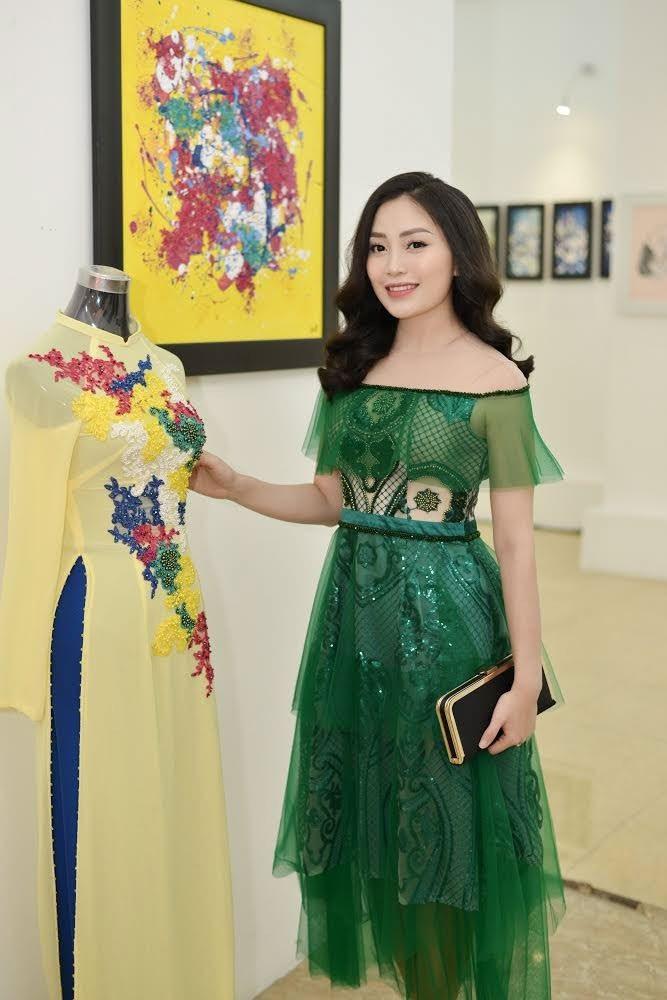 """Sao Mai Huyền Trang đẹp mặn mà ngày """"trở lại"""" showbiz - Ảnh 3."""