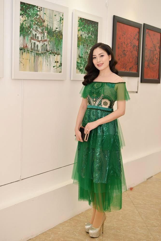 """Sao Mai Huyền Trang đẹp mặn mà ngày """"trở lại"""" showbiz - Ảnh 1."""