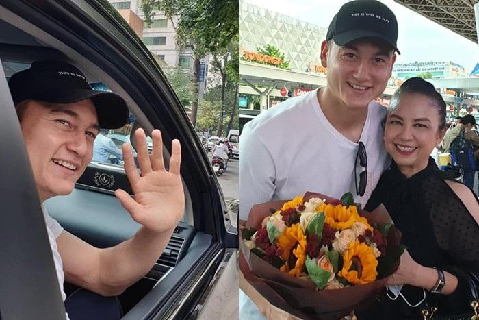 Khoảnh khắc Đặng Văn Lâm bịn rịn chia tay gia đình, ra Hà Nội chuẩn bị cho Asian Cup - Ảnh 10.