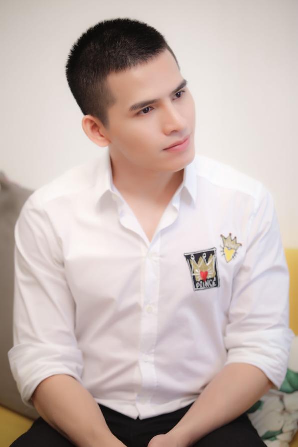 """Quán quân Vietnam Idol Quốc Thiên tự tin hơn sau khi """"dao kéo"""" - Ảnh 2."""
