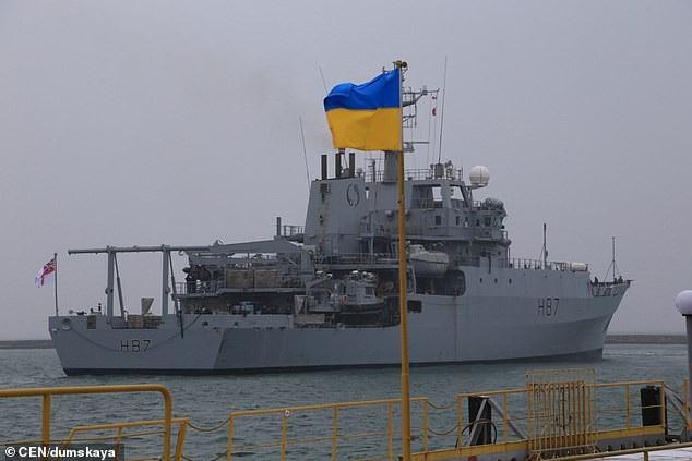 Anh điều tàu chiến tới Biển Đen ủng hộ Ukraine đối phó Nga - Ảnh 2.