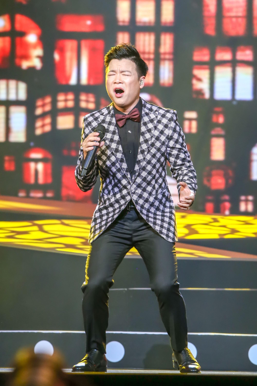 Ca sĩ Vũ Thắng Lợi bật khóc trên sân khấu khi nhắc đến bố mẹ - Ảnh 8.