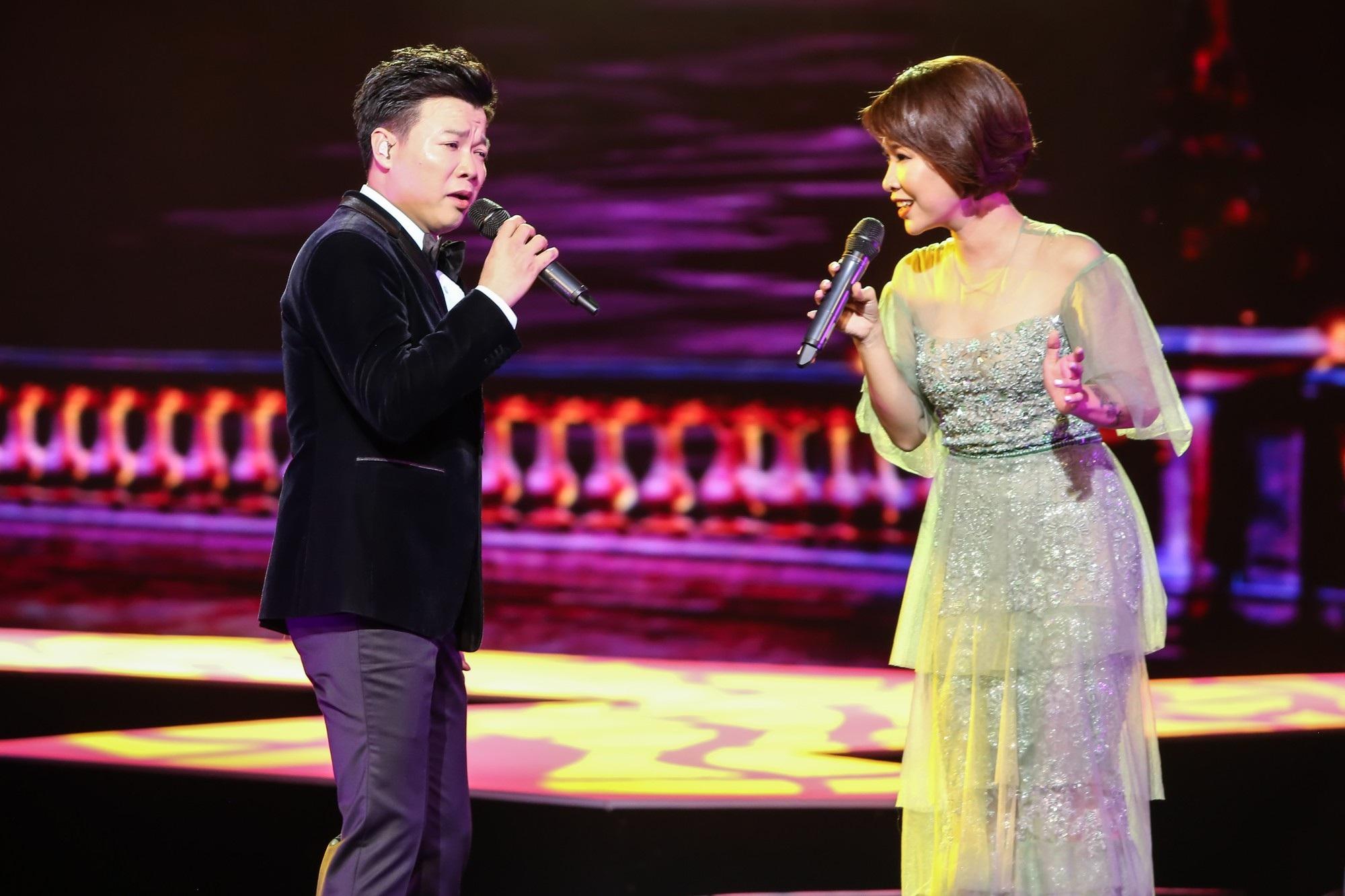 Ca sĩ Vũ Thắng Lợi bật khóc trên sân khấu khi nhắc đến bố mẹ - Ảnh 12.