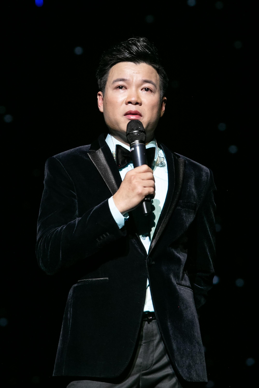 Ca sĩ Vũ Thắng Lợi bật khóc trên sân khấu khi nhắc đến bố mẹ - Ảnh 4.