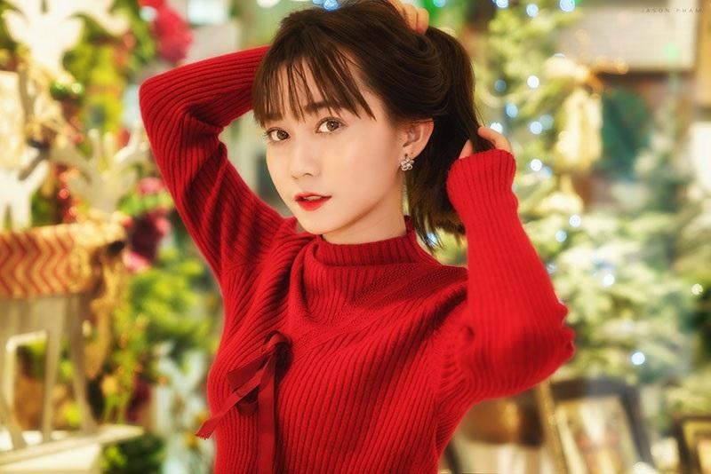 Thiếu nữ Sài thành xinh đẹp đón mùa Giáng sinh - Ảnh 8.