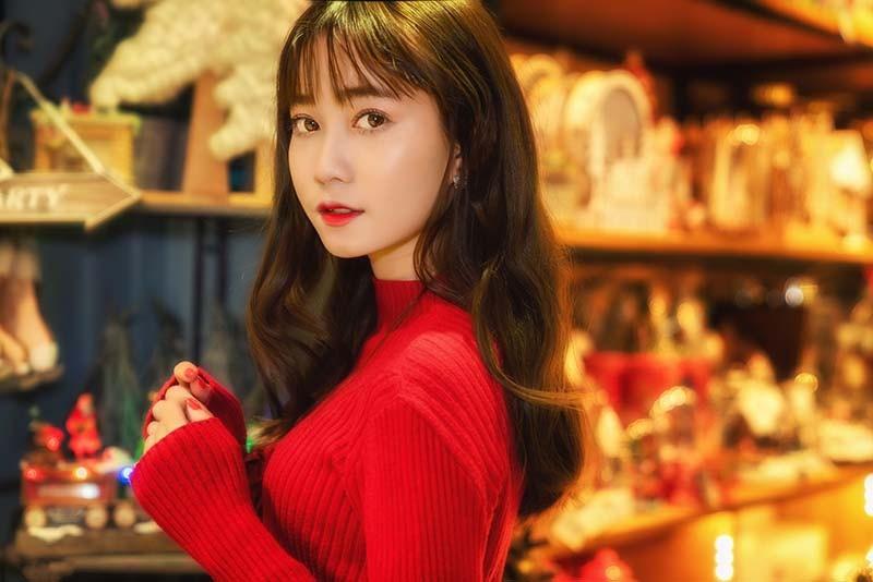 Thiếu nữ Sài thành xinh đẹp đón mùa Giáng sinh - Ảnh 7.