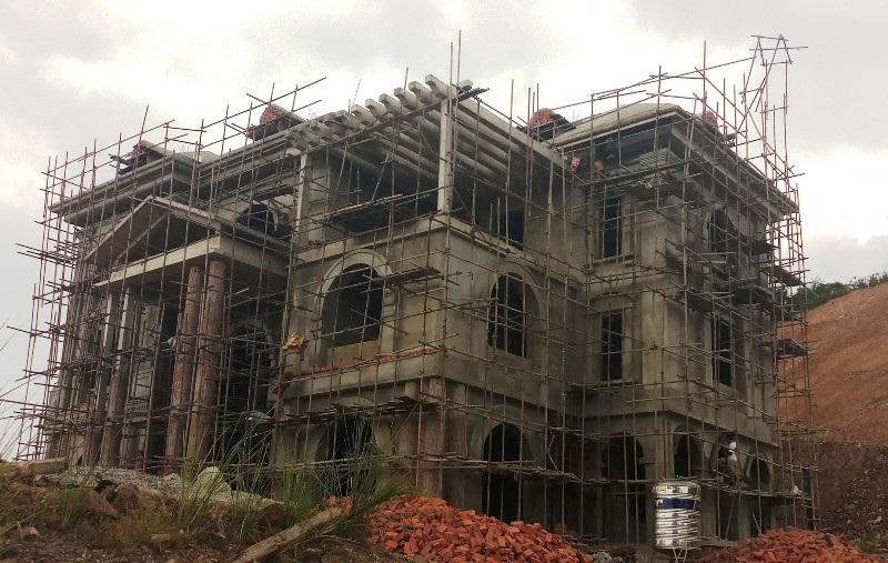 Hàng loạt vi phạm trật tự xây dựng tại khu kinh tế Nghi Sơn và các khu công nghiệp! - Ảnh 1.