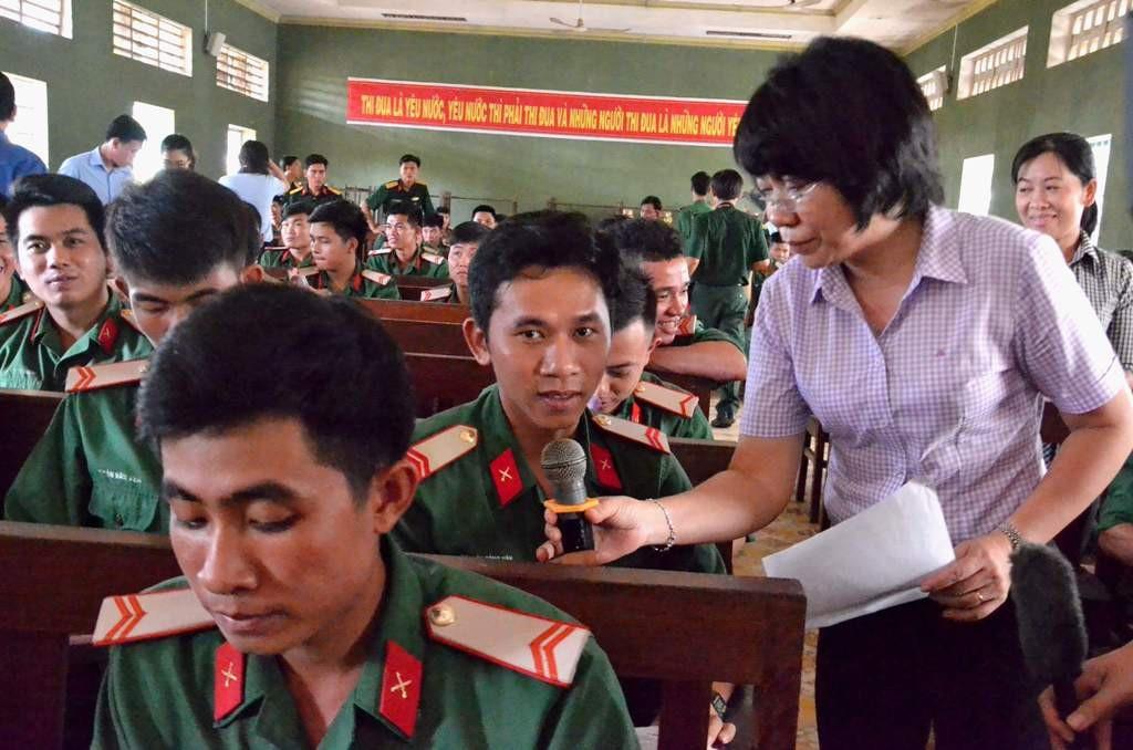 Giới thiệu việc làm cho hơn 500 quân nhân sắp xuất ngũ - Ảnh 2.