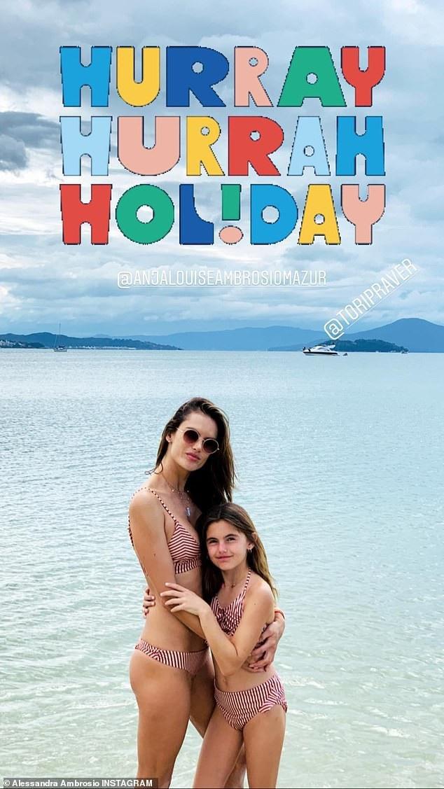 Alessandra Ambrosio đưa con về Brazil nghỉ giáng sinh - Ảnh 5.