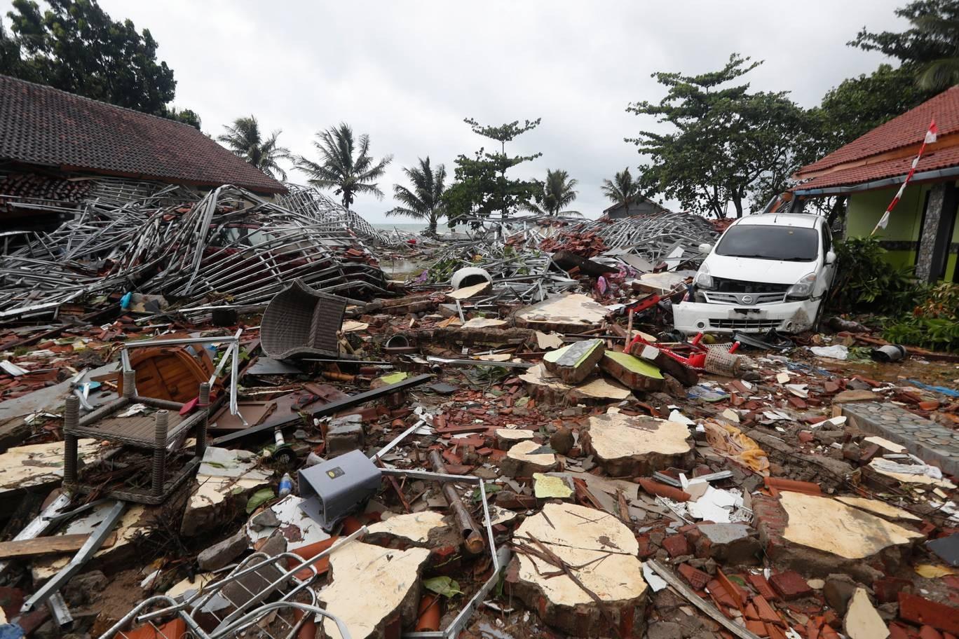 Nhân chứng kể khoảnh khắc kinh hoàng khi sóng thần ập tới tại Indonesia - Ảnh 4.