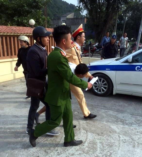 Hà Nội: CSGT giải cứu người phụ nữ bị cướp khống chế trong nhà - Ảnh 1.