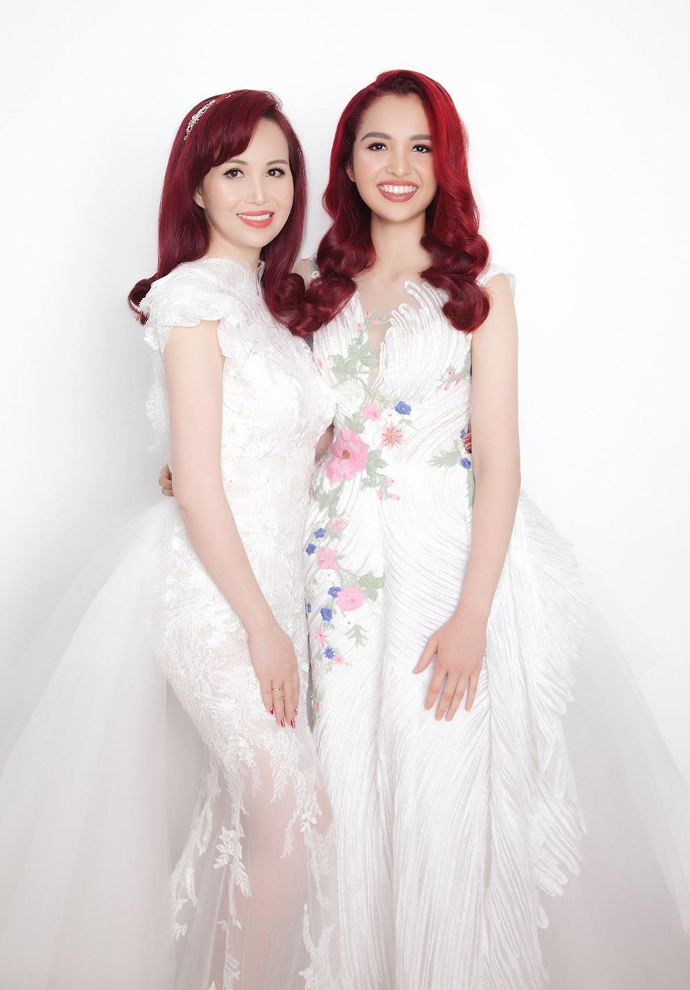 Hoa hậu Diệu Hoa chụp ảnh kỷ niệm 25 năm ngày cưới cùng gia đình - Ảnh 7.