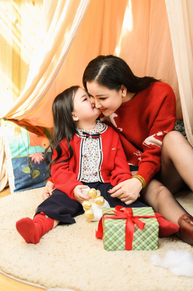 Ca sĩ Maya: Con gái rất hiểu chuyện và thương mẹ - Ảnh 2.