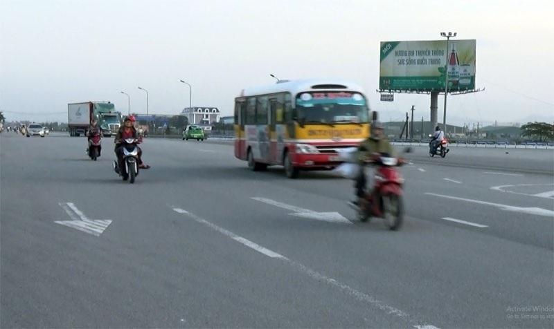 """""""Ngã tư chết người"""" ở Hà Tĩnh: Chờ tai nạn thảm khốc mới khắc phục? - Ảnh 2."""