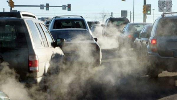Thu thêm phí khí thải, ô tô cũ lại khó trăm bề, giới buôn lo sạt nghiệp - Ảnh 1.