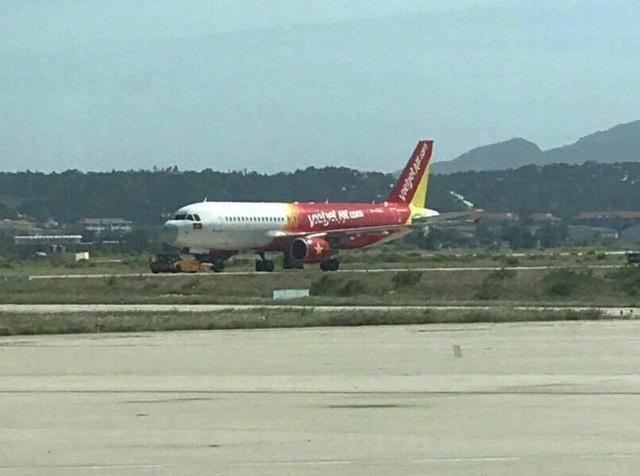 Bộ Giao thông: Khẩn trương điều tra sự cố máy bay hạ cánh nhầm đường băng - Ảnh 1.