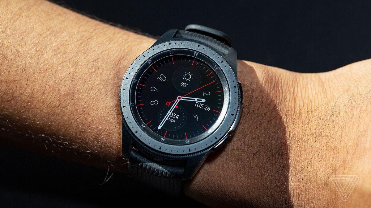 Samsung Galaxy Watch chính thức ra mắt tại Việt Nam - Ảnh 1.