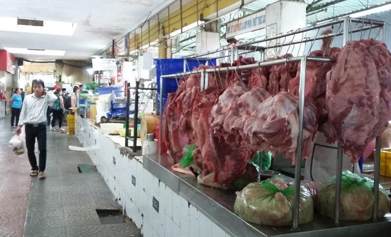 Nguy cơ thịt bẩn mang theo dịch bệnh tràn vào TPHCM  - Ảnh 1.