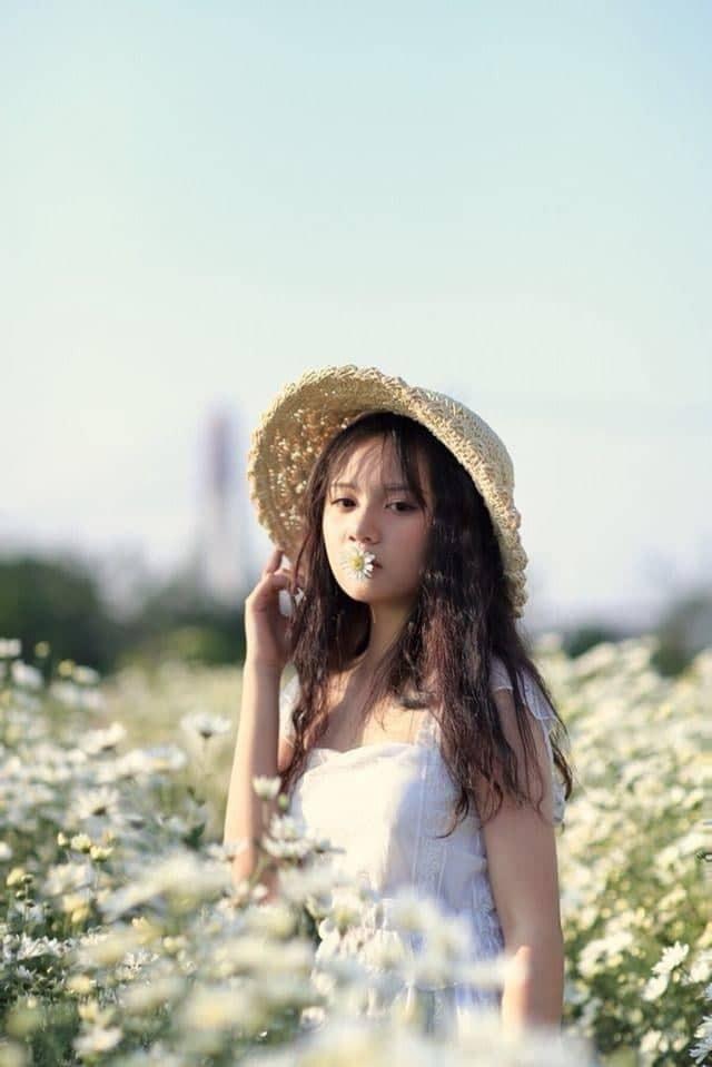 Nữ sinh Hưng Yên gieo thương nhớ với bức ảnh đi học quân sự - Ảnh 11.