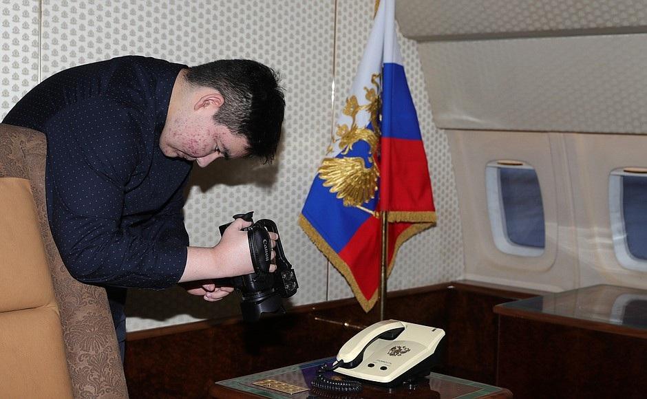 Ông Putin mời vị khách đặc biệt 15 tuổi thăm chuyên cơ tổng thống - Ảnh 2.