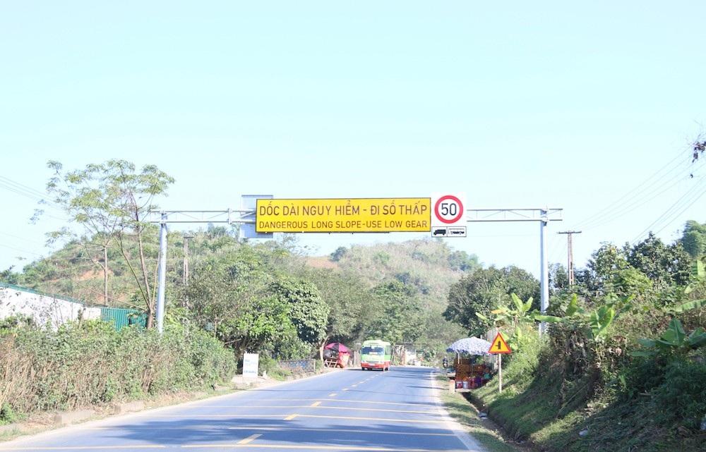 Cận cảnh rào chắn đặc biệt đỡ xe đâm vào vách núi ở Dốc Cun - Ảnh 13.
