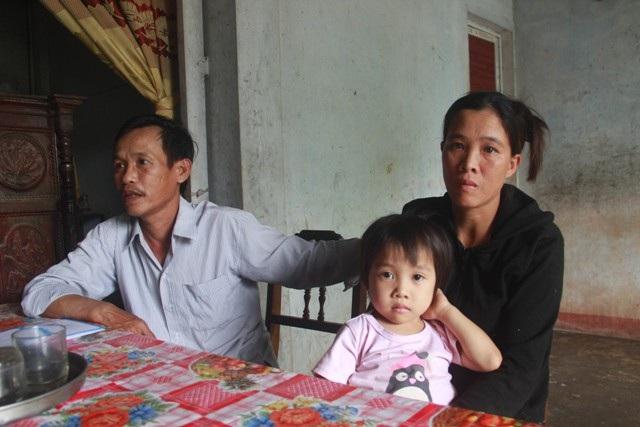 Bạn đọc giúp đỡ bé gái 4 tuổi có nguy cơ bị bại liệt hơn 120 triệu đồng - Ảnh 2.