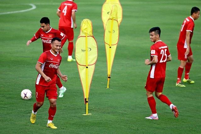 Trọng Hoàng có nguy cơ lỡ hẹn với Asian Cup 2019 - Ảnh 1.