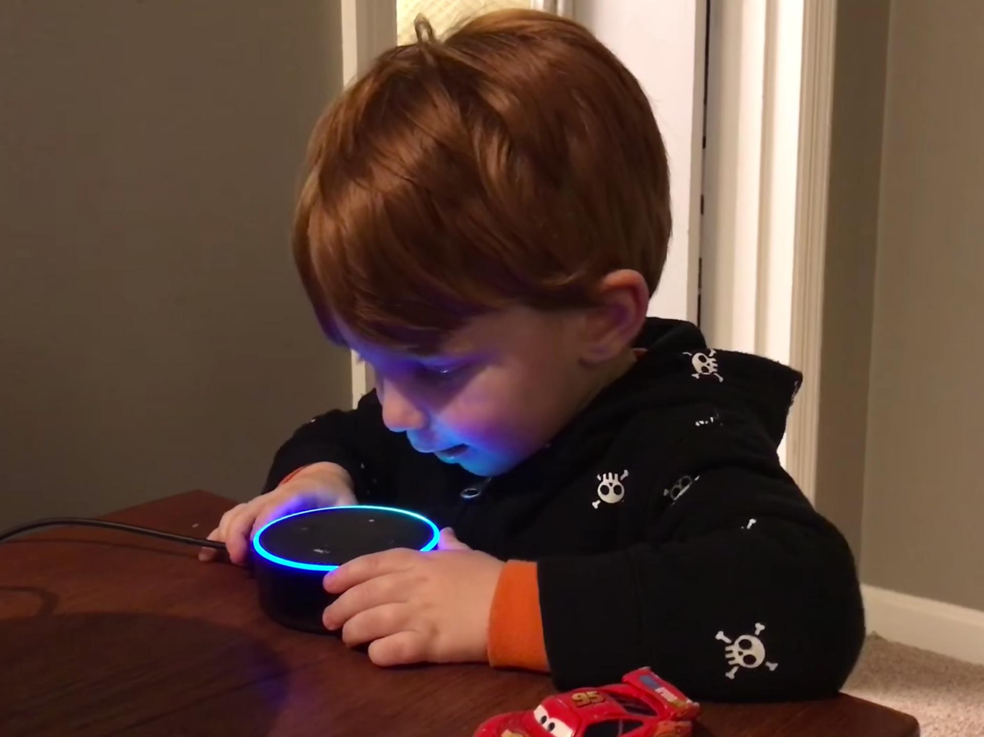 Amazon thắng lớn trong ngày lễ Giáng sinh nhờ công nghệ nhà thông minh - Ảnh 1.