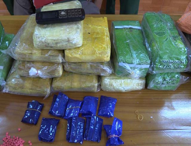 """Bắt người Lào vận chuyển ma túy """"khủng"""" vào Việt Nam - Ảnh 2."""