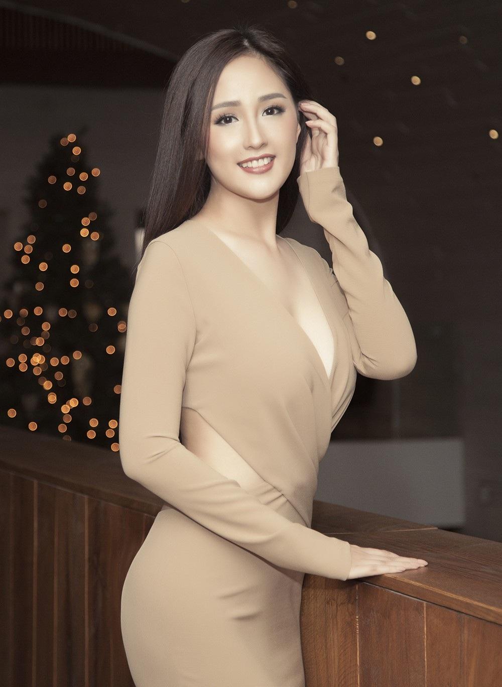 Hoa hậu Mai Phương Thúy thu hút với trang phục cực kỳ táo bạo - Ảnh 4.