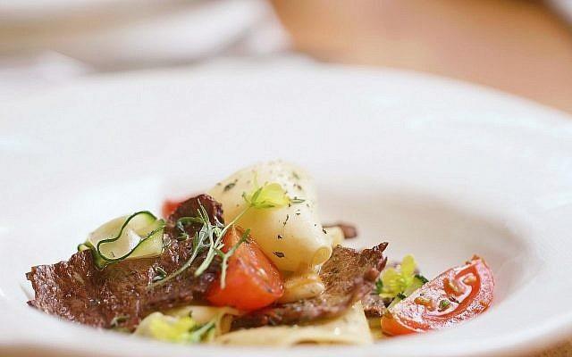 Một start-up tuyên bố làm được thịt bò nhân tạo giá 1,2 triệu đồng/miếng - Ảnh 2.