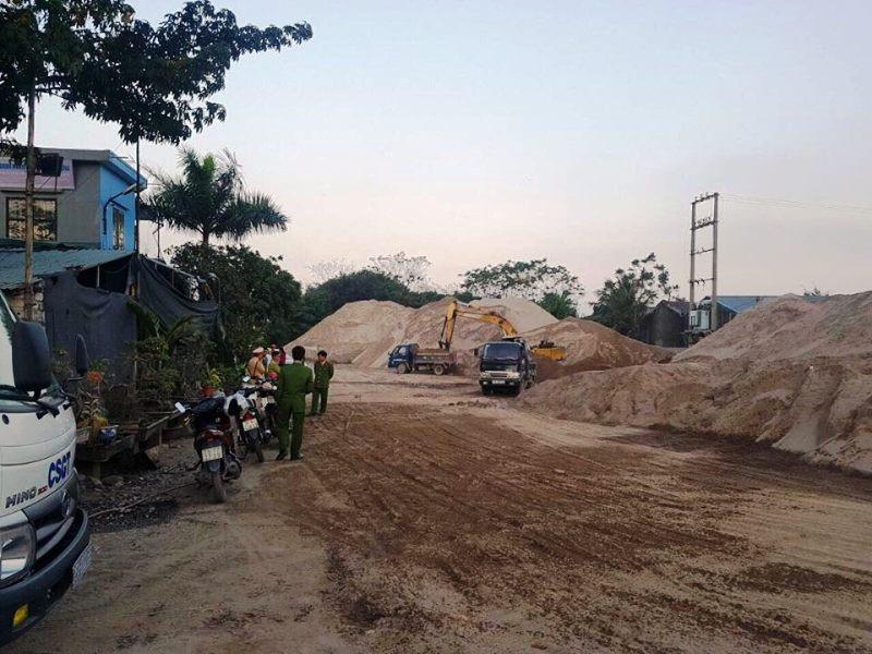 """Ninh Bình: Chủ tịch huyện """"vi hành"""" bắt quả tang bãi cát """"lậu"""" hoạt động chui! - Ảnh 2."""