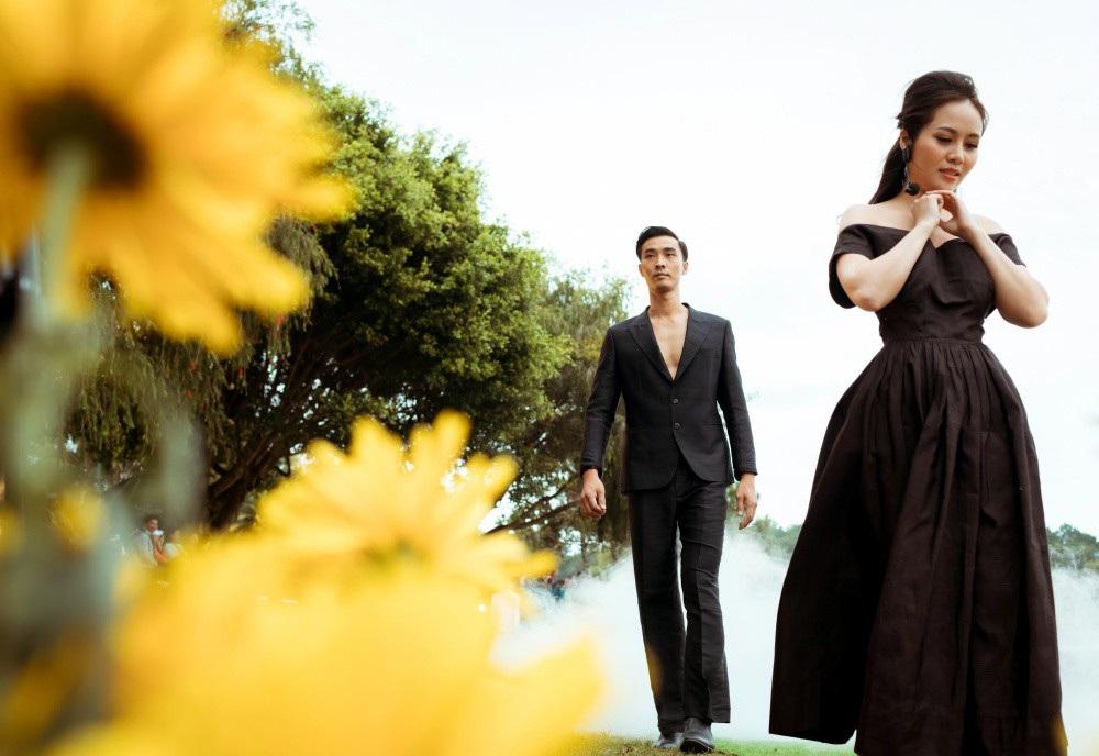 Vẽ tình ca bằng lụa Bảo Lộc và thổ cẩm K'Ho, Châu Mạ bên hồ Xuân Hương - Ảnh 22.