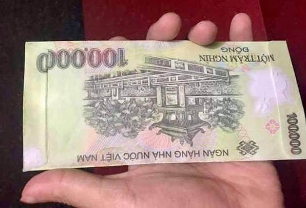 Bao lì xì bằng tiền 500 ngàn đồng gây sốt thị trường Tết - Ảnh 4.