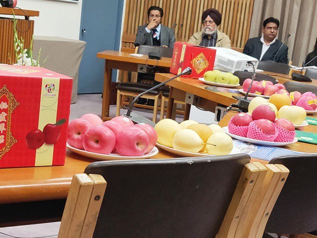 Ấn Độ: Lo sợ nhiễm loại hóa chất độc hại, cấm cửa táo Trung Quốc - Ảnh 4.