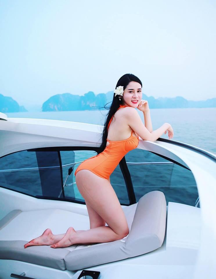 Cô đồng gợi cảm Triệu Hà Vy khoe khéo vòng eo con kiến - Ảnh 9.