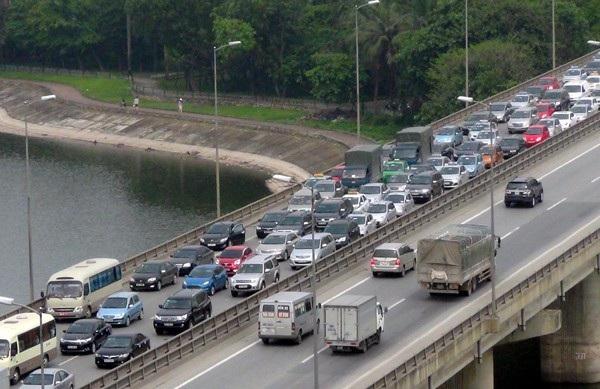 Tết Dương lịch: Hàng không tăng hàng trăm chuyến bay, đường bộ cảnh báo ùn tắc - Ảnh 2.