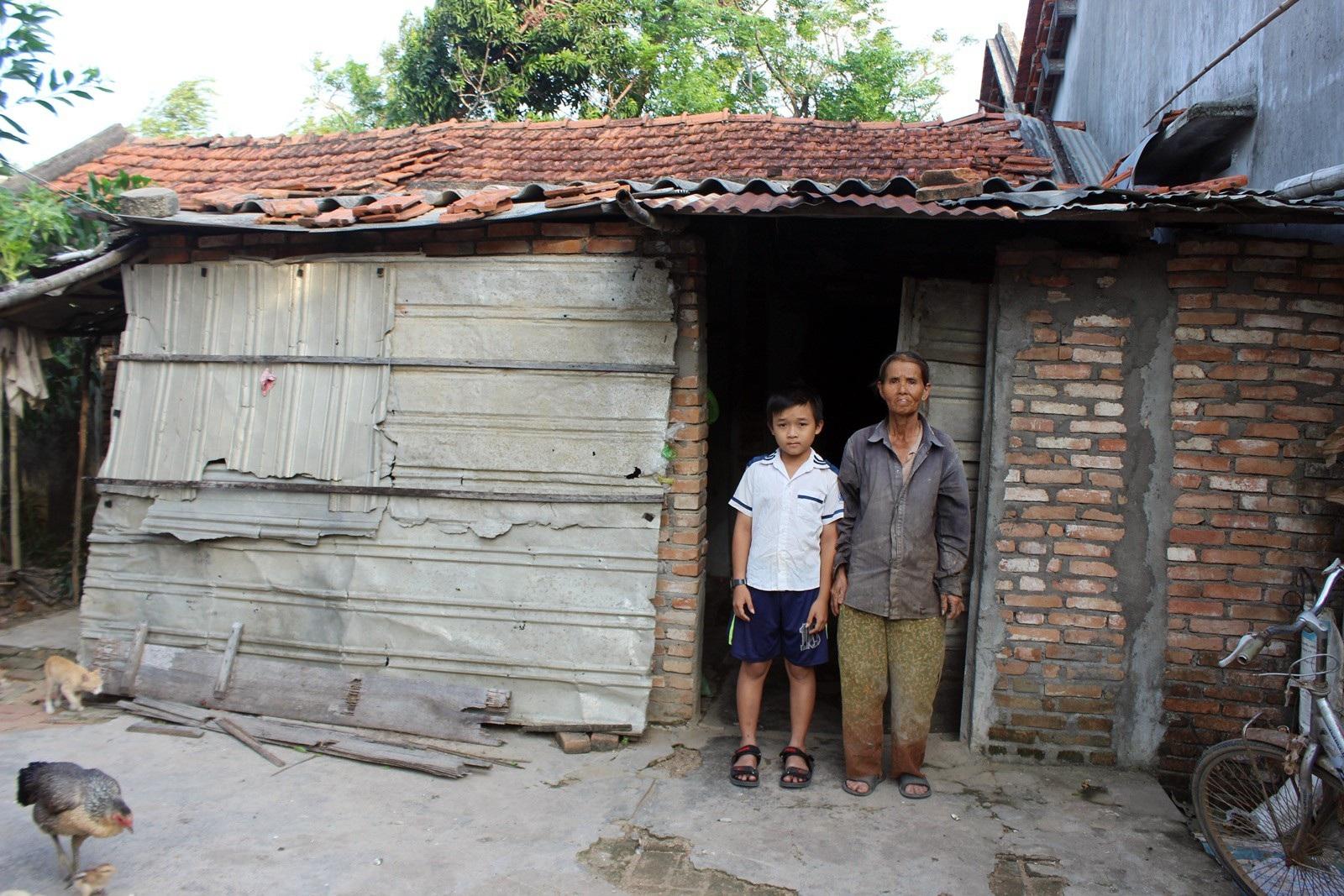 Quá nghèo, người phụ nữ đành nhìn con nuôi bỏ nhà ra đi - Ảnh 2.