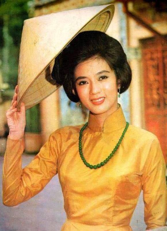 Chân dung cố nghệ sĩ cải lương Thanh Nga.