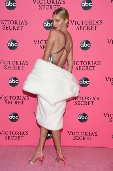 Elsa Hosk quyến rũ dự sự kiện thời trang tại New York, Mỹ ngày 2/12