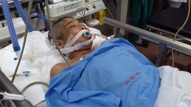Nhưng đã không có phép màu sau lời nguyện cầu của hai đứa trẻ. Chị Liên mẹ các em đã trút hơi thở cuối cùng nơi bệnh viện.