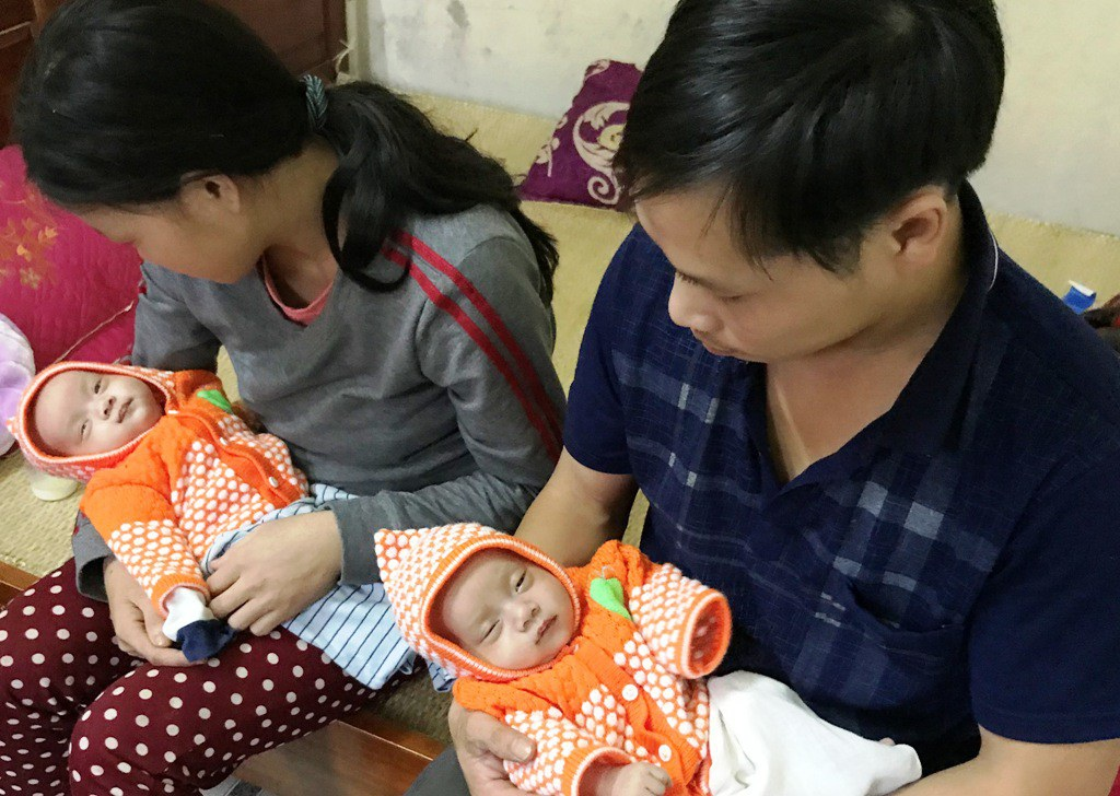 Thương bé sinh đôi chống chọi với bệnh tim bẩm sinh phức tạp - Ảnh 5.