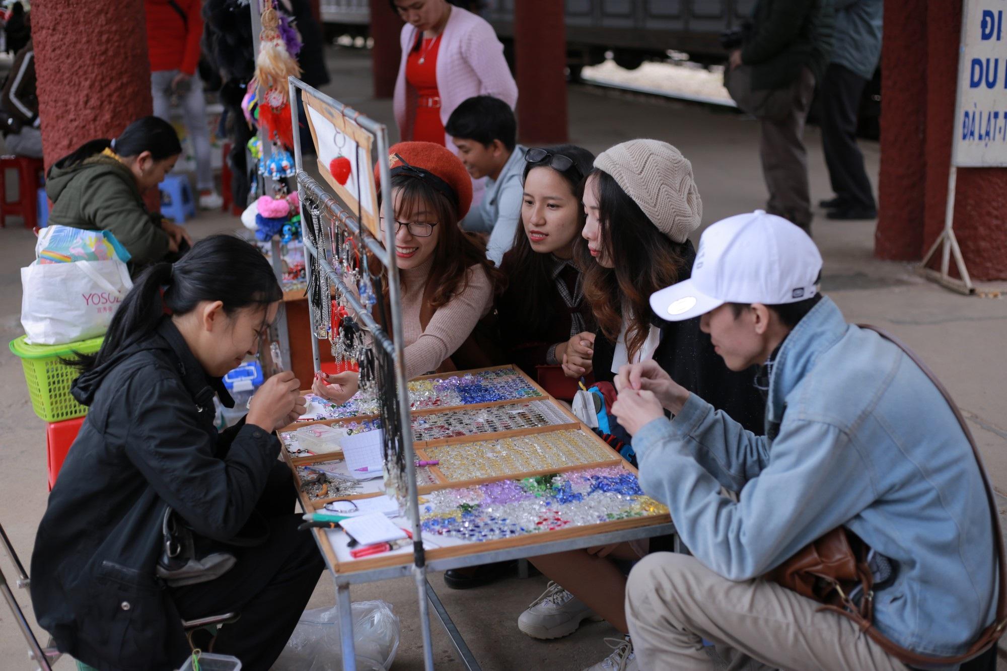 Nhiều điểm vui chơi ở Đà Lạt quá tải dịp Tết dương lịch 2019 - Ảnh 7.